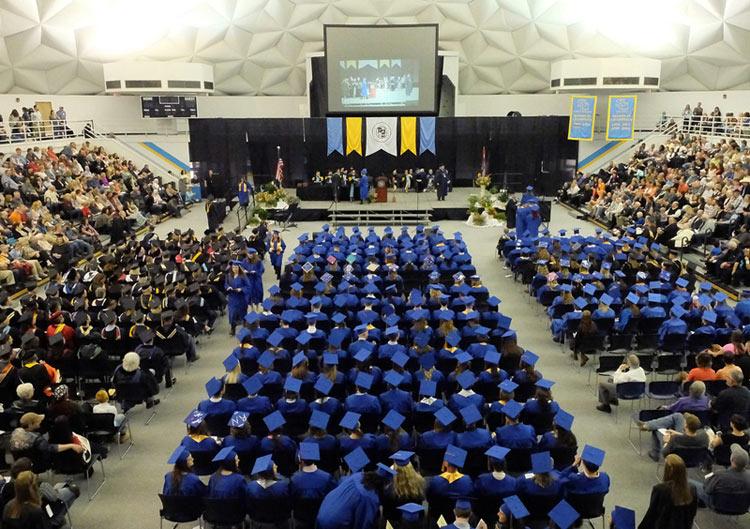 lễ tốt nghiệp trường đại học Sheridan
